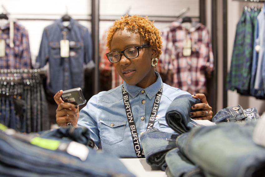 retailmedewerker oproepsysteem medewerkers winkel draadloos oproepen